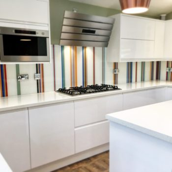 coloured-glass-splashbacks