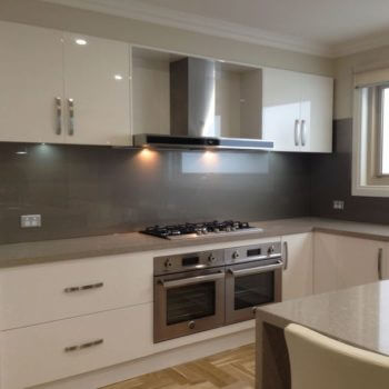 grey-kitchen-glass-splashbacks-uk